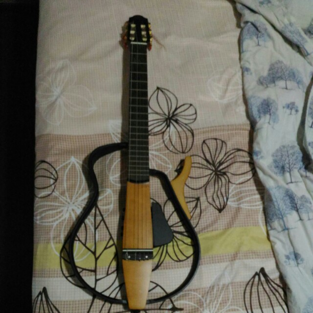 Fast deal on 19-21 March! Yamaha Silent Guitar - Nylon String