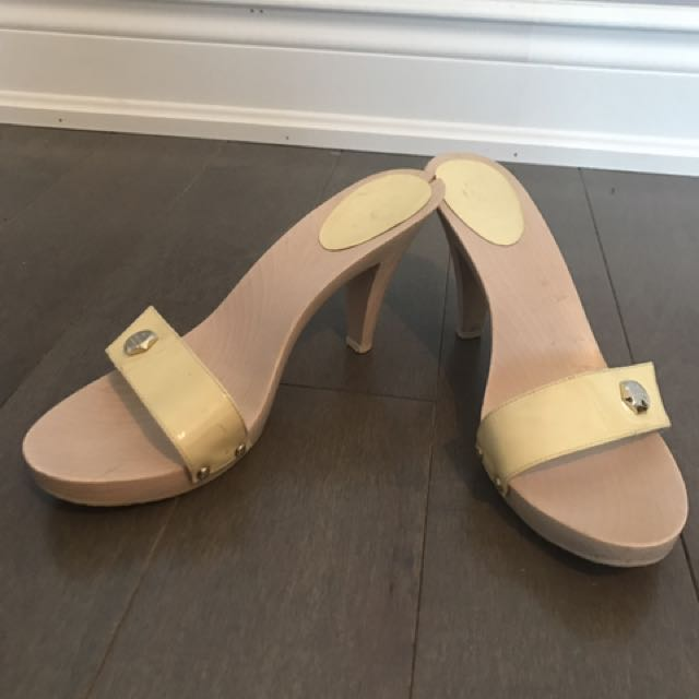 Gucci baby yellow wooden summer sandals