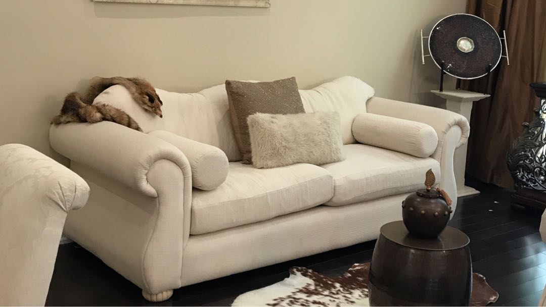 Italian made down feather sofa and love seat.  Less than 2years barley used.  Asking $1000 for the set. Pick up only vaughan