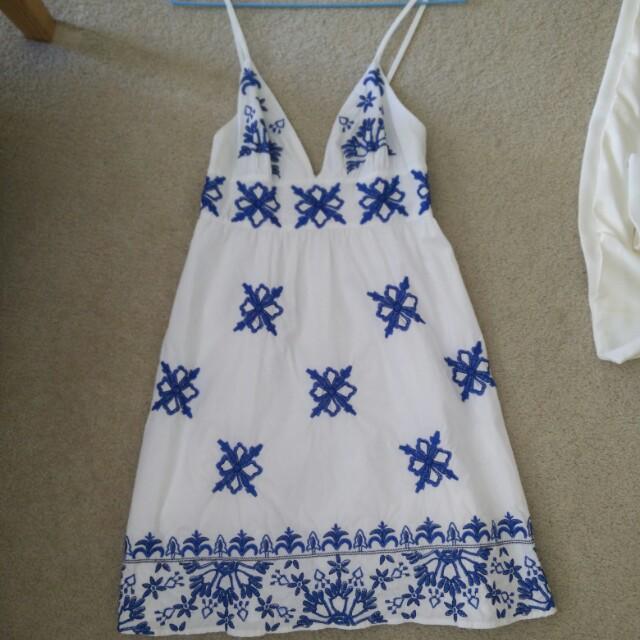 Kookai embroiled dress white/blue