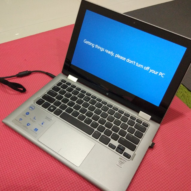 Laptop Dell - Inspiron 11 - 3000 series (touch screen