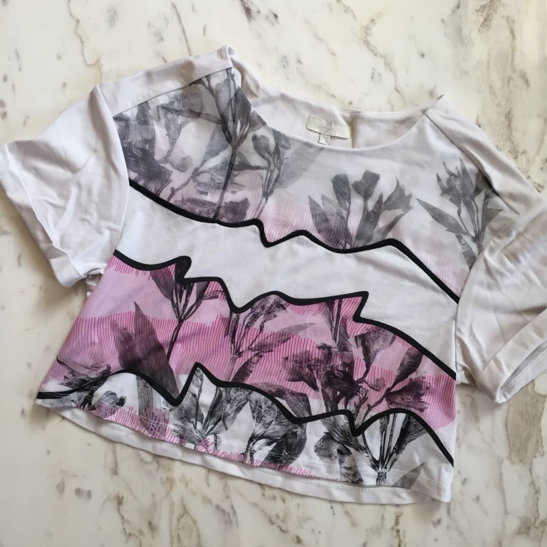 Lily Graphic Crop Top