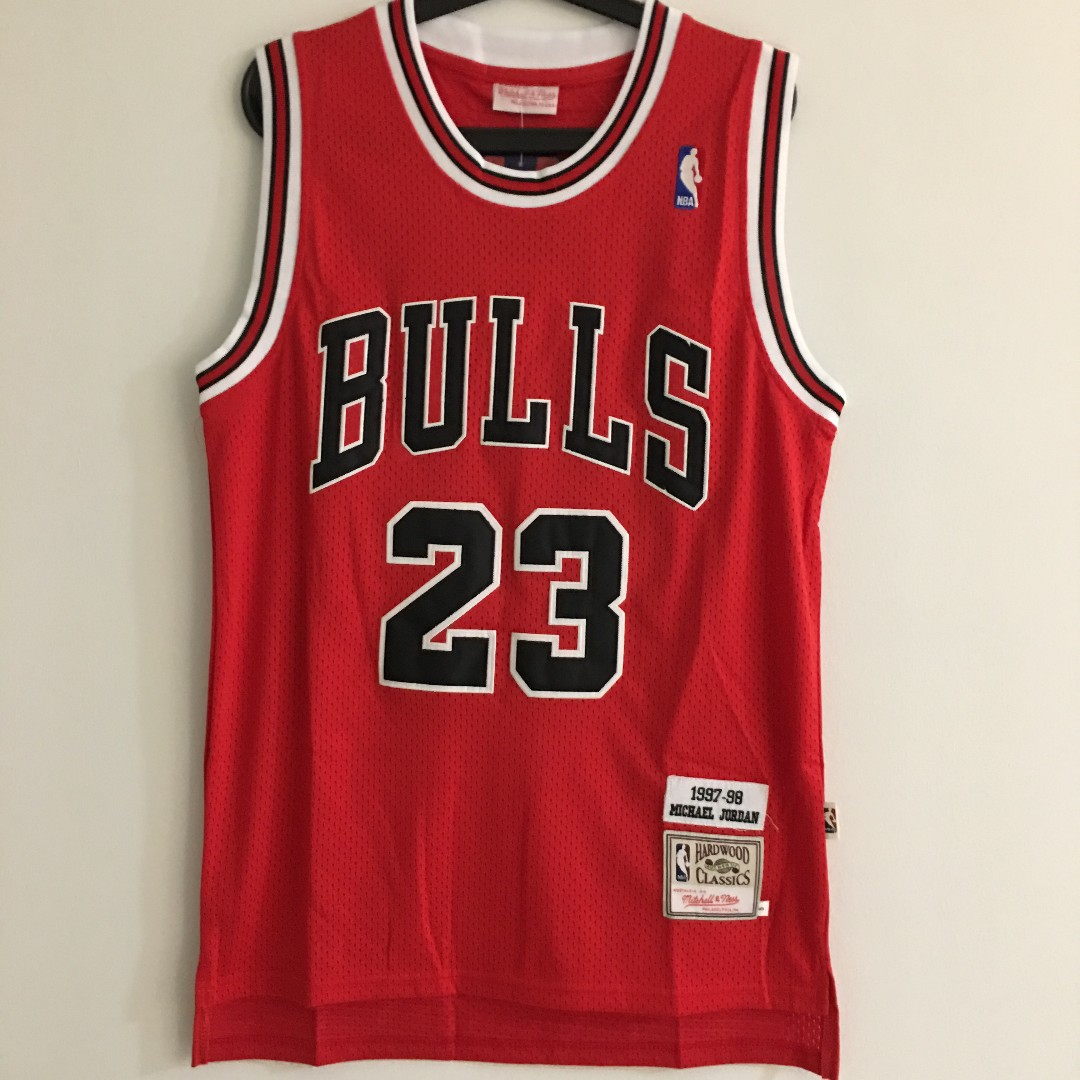 best loved 4036e af003 M) NBA Jersey - Michael Jordan Hardwood Classics Red, Sports ...