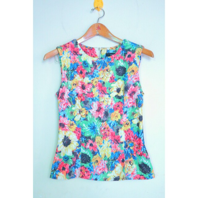Mds floral top