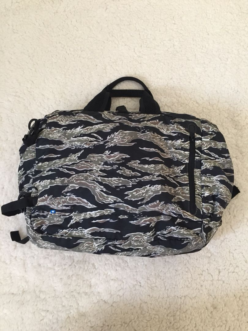 NVRBRKN / DC - The Bout Duffle Backpack in Camo