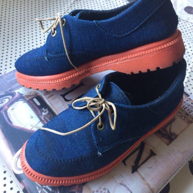 Sepatu oxford payless biru dongker, Women's Fashion, Women's Shoes on Carousell
