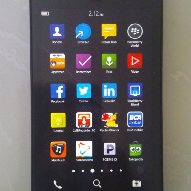 Smartphone Handphone HP Blackberry BB Z10 STL100-1 Warna Charcoal Black / Hitam, Mobile Phones & Tablets on Carousell