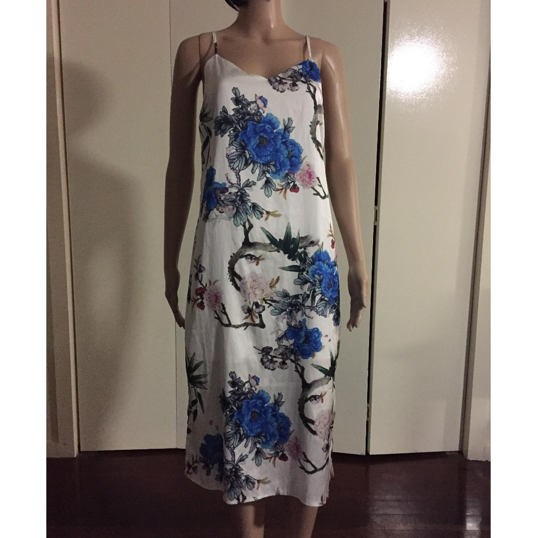 Temt brand new blue and white floral dress brand new without tag temt brand new blue and white floral dress brand new without tag size 8 but would fit size 10 womens fashion clothes on carousell izmirmasajfo