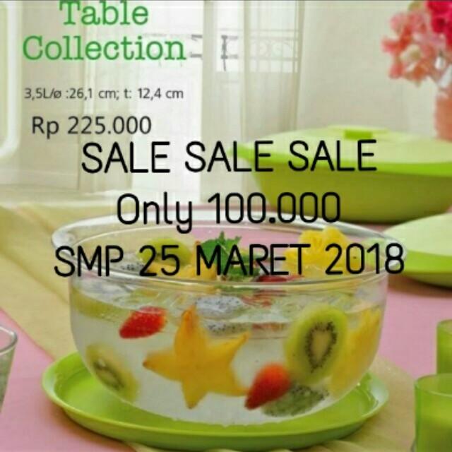 Tupperware table coleec