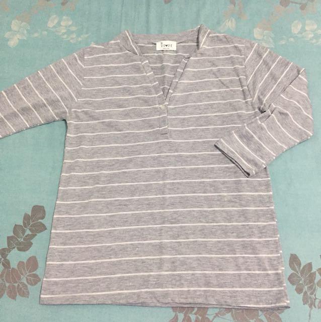 正韓純棉V領灰色條紋上衣