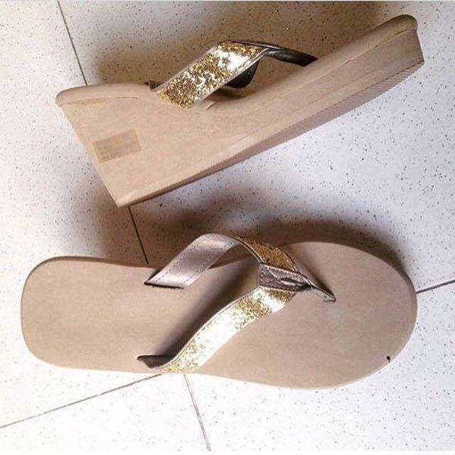 Victoria's Secret Wedge Slipper