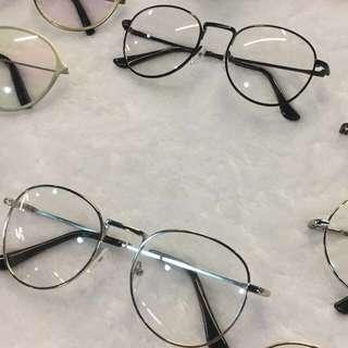 Black Oval Vintage Glasses