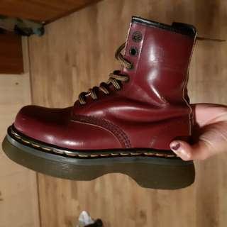 英國製 Dr.martens 厚底 馬汀靴 八孔 古著