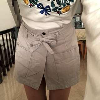 蝴蝶結綁帶超可愛短褲