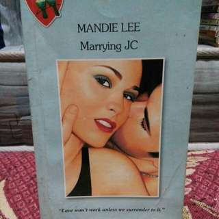 Mandie Lee- pocketbooks scroll for more pics