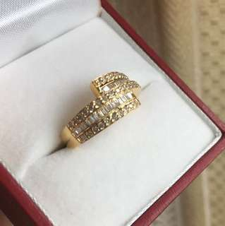 Diamond Ring in 18K Gold. Not worn. Loss it's marking because of resizing. Size 9