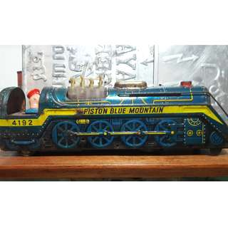 Vintage train tin toy (made in Japan)