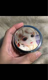 3D Unique Motion Blinking Doll Face Compact Mirror