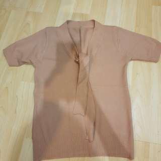 Brown kintted top