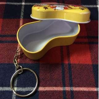 ( 滿500就送你 ) 蝴蝶結造型鐵盒鑰匙圈