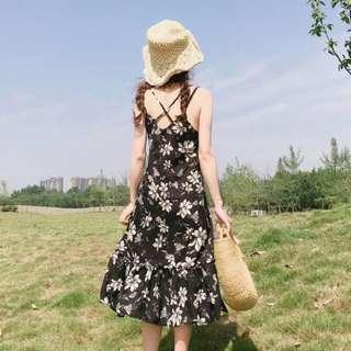 夏裝韓版女裝v領露背中長款碎花吊帶無袖連衣裙學生荷葉邊裙子 #換季五折