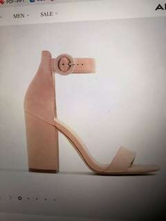 LOOKING FOR: NUDE BLOCK HEEL (approx 3.5 inches)