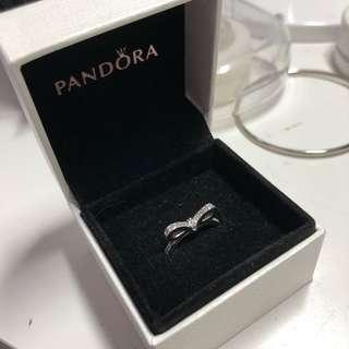 Pandora bow ring size 7