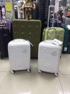 阿豪 日本版日本直送 Sanrio Hello Kitty 奶樽款 19寸 全新 行李箱