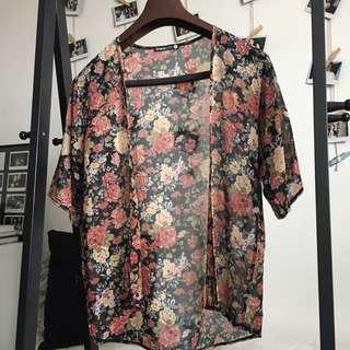 Shana Short-Sleeves Kimono