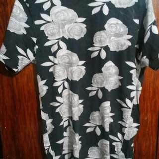 Forever 21 floral tee large