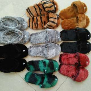 Sandal rumah hangat bulu