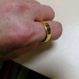 Unisex Golden round ring