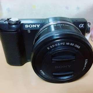 SONY alpha A5000 mirrorless kamera hitam mulus banyak bonus