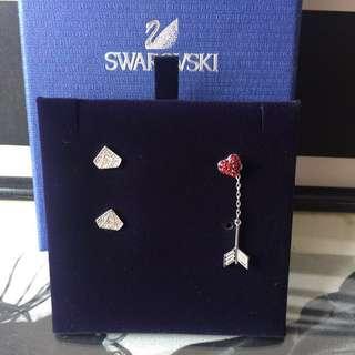 SWAROVSKI  鑽石💎型狀 水晶耳環 買一對送一只