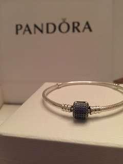 Pandora Signiture Clasp Bracelet Royal Blue Crystal