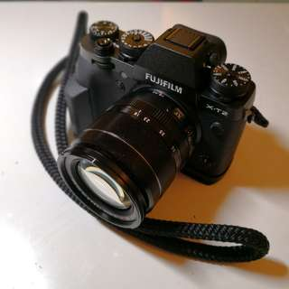 Fujifilm X-T2 with XF 18-55mm OIS lens and Fuji Grip