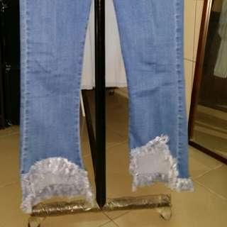 🚚 水藍色褲腳抽鬚牛仔褲