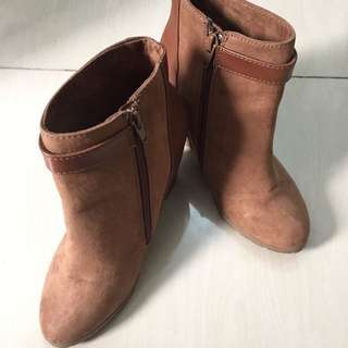 SALE! Pull & bear Boots