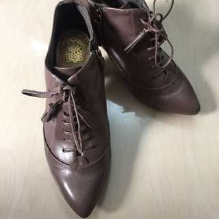 SALE! Clarks brown Short Boots
