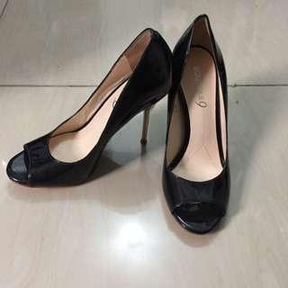 SALE! Boutique 9 Black Shoes