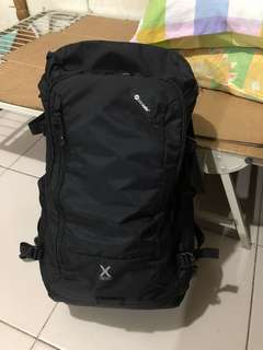 Venturesafe X30 anti-theft adventure backpack from pacsafe glorietta with warranty