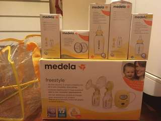Medela freestyle breast pump (hardly used)