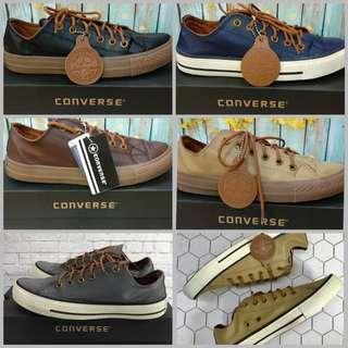 Sepatu pria converse leather sneakers