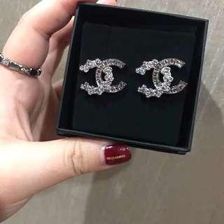 Chanel 2018新款正方石併花鑽耳環