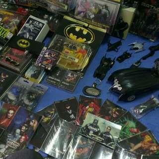 黑暗騎士、蝙蝠俠玩具、卡片收藏等物品