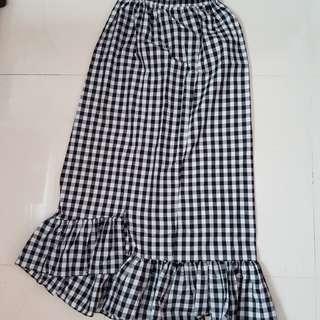 BN Ruffle Gingham Skirt