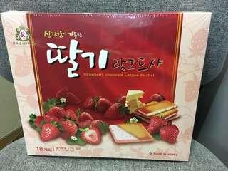 韓國士多啤梨夾心餅