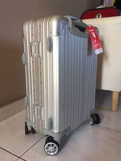 "Remowa alike alloy luggage 20"" airplane aboard type"
