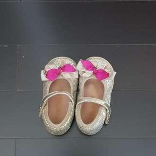 Sepatu gold - size 13.5
