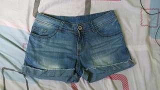 Maong shorts (29 size)